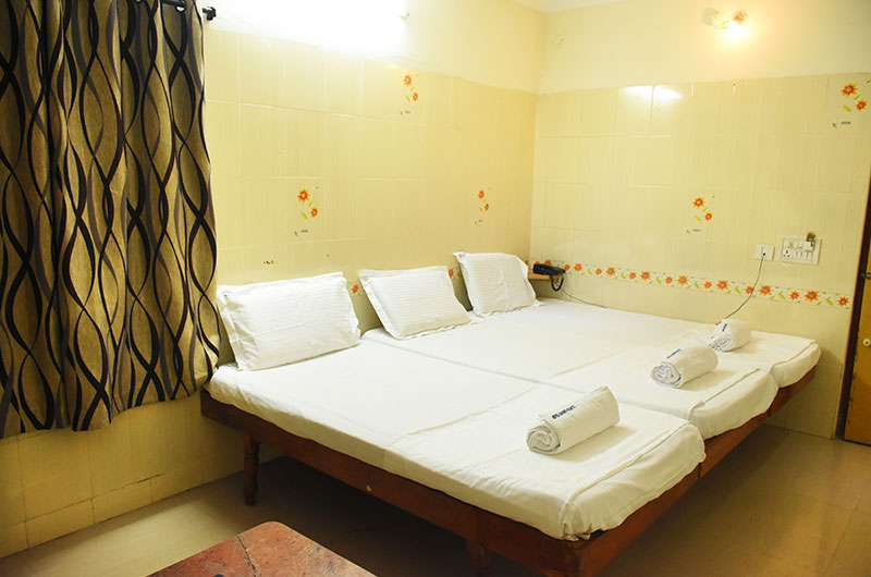 Hotel Govind Heights - Standard Non Ac Triple Room-2