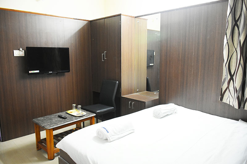 Hotel Govind Heights - Executive Double Room-2